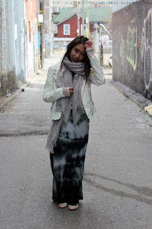 white faux leather Forever 21 jacket - silver Oscar de la Renta scarf