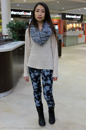 Aldo boots - American Eagle jeans - American Eagle scarf - H&M sweatshirt