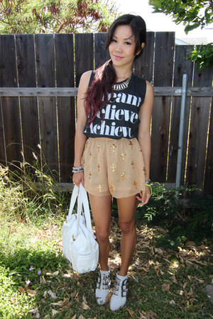 wild fox shorts - Jeffrey Campbell boots - graphic tee Sincerely Jules t-shirt