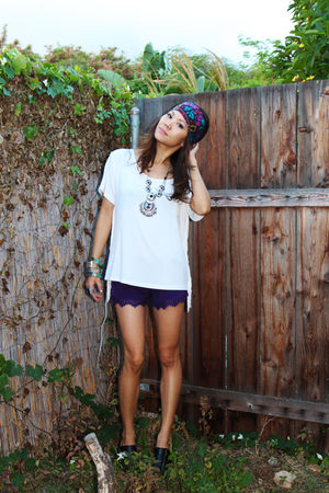 white fringe side tee Bamboo Sky top - charlie c clog Jeffrey Campbell shoes