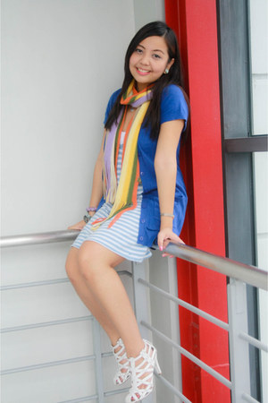 blue cardigan - sky blue striped dress - orange summery scarf