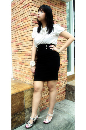 beige ribboned from US top - black pencil skirt from US skirt