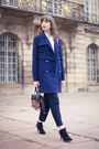 Black-stradivarius-shoes-navy-reserved-coat-white-uniqlo-shirt-zaful-bag