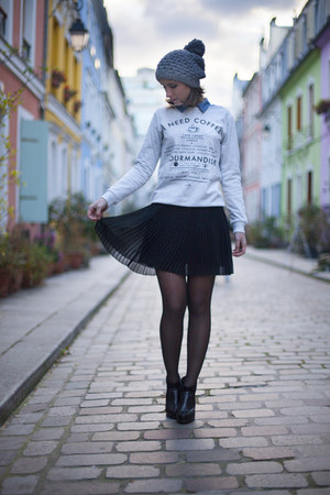 periwinkle Tally Weijl sweatshirt - black Mango skirt