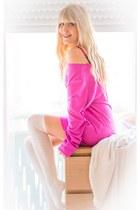 white Primark socks - hot pink sammydress sweatshirt