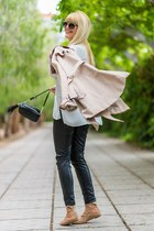 black Primark bag - beige trench coat Stradivarius coat