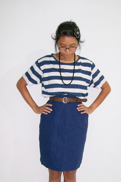 t-shirt - skirt - necklace - accessories