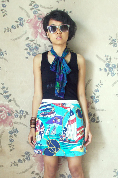 sky blue unbranded skirt - blue unbranded scarf