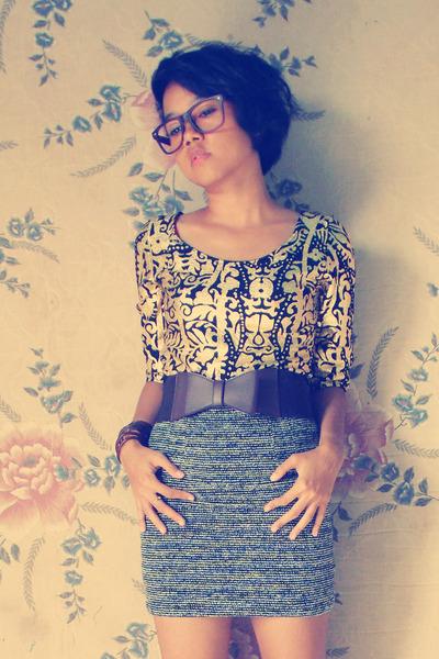 gold unbranded top - black unbranded skirt - dark brown belt