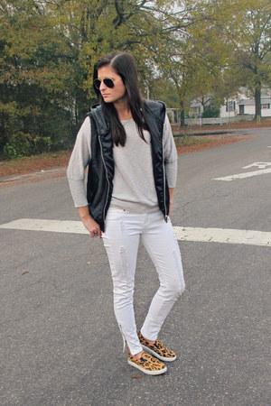 Forever 21 vest - pullover Target sweater - white Forever 21 pants