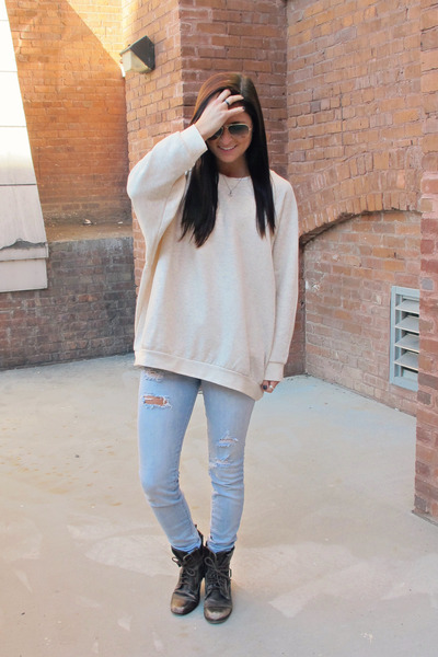 dolman Urban Outfitters top - combat boots Aldo boots