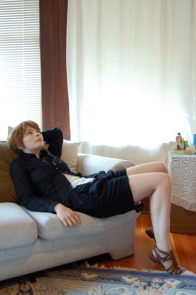 Trovata blouse - nicolas & marc - Ilaria Nistri shorts - Nine West shoes