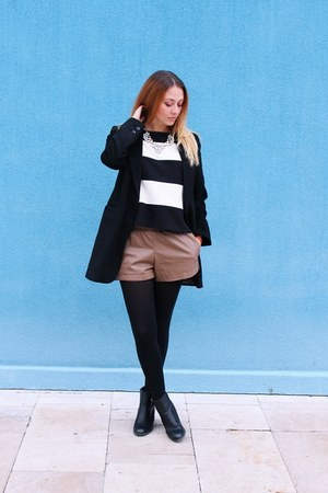 New Yorker coat - pu leather OASAP shorts - Zara top