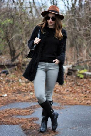 H&M jeans - Stradivarius boots - DressLink coat - H&M hat - Zara sweater
