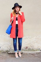 Dresslilly coat - Zara jeans - Oasapcom hat - Zara bag - Zara top