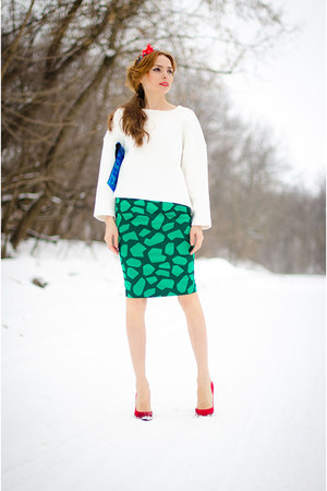 green my design skirt - white Zara sweater - red Renata Dorofeeva hair accessory
