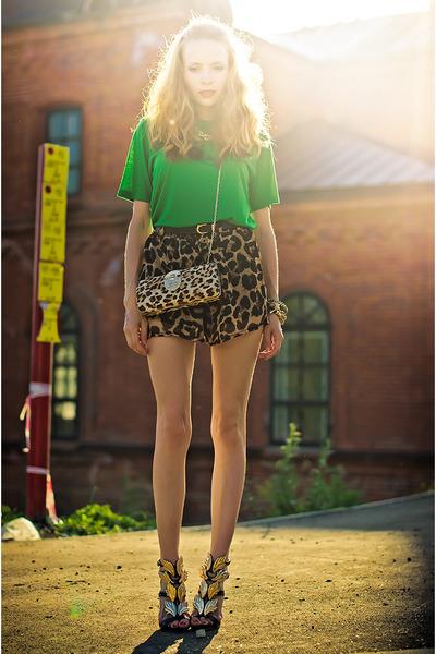 green Miss Nabi t-shirt - brown Sheinsidecom shorts - black Choies heels
