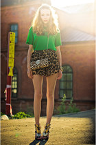 green Miss Nabi t-shirt - brown Sheinsidecom shorts - black Choies heels