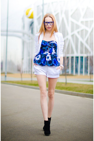 blue Kristines Collection top - white HM blazer - white Marika shorts
