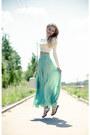 Ivory-bershka-bag-aquamarine-serginnetti-skirt