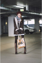 dark brown romwe sweatshirt - tan PERSUNMALL bag