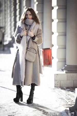 silver martin margiela coat - silver ИларияМанефа scarf