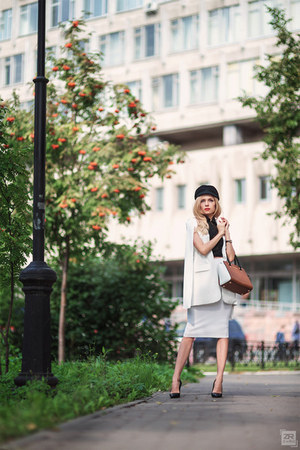 black Finds hat - white Sheinside blazer - brown Michael Kors bag