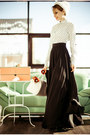 White-befree-skirt-carrot-orange-valise-accessories