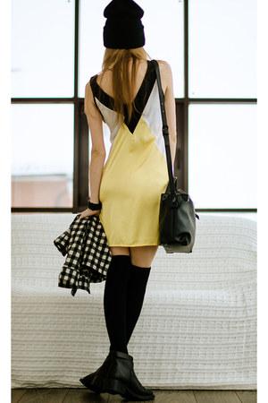 yellow Zealotriescom dress - black Zealotriescom bag