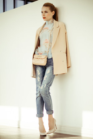 nude Chicwish blazer - sky blue BeFree jeans - nude Love Republic bag