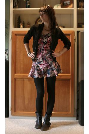 black Forever 21 blazer - pink Kimchi&Blue dress - black Mia boots - black simpl
