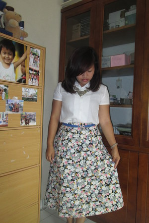 floral skirt - white shirt