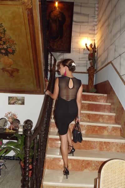 hot pink H&M earrings - black pull&bear dress