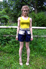 Navy-urban-outfitters-shorts-eggshell-t-strap-wooden-aldo-heels-chartreuse-t