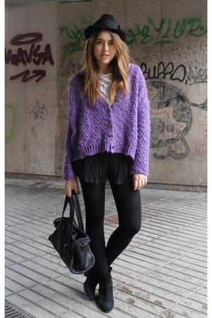 Zara cardigan - Mango boots - hazel hat - BLANCO bag - H&M shorts - Zara t-shirt