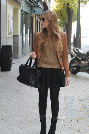 Mango jacket - Zara boots - Zara sweater - BLANCO bag - H&amp;M socks - H&amp;M skirt