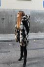 Queens-wardrobe-vest