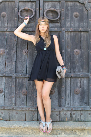 H&M dress - Zara bag - Zara sandals - Primark accessories