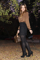 Queens Wardrobe skirt - Louis Vuitton bag - Zara heels - Zara blouse
