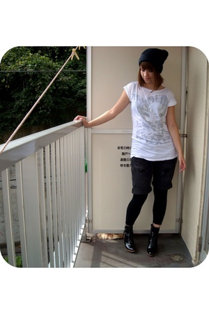 Forever21 t-shirt - Kinji in Harajuku jeans - Hanjiro in Shibuya hat - Rakuten s