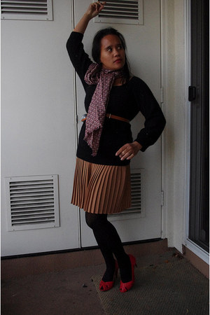 camel micro pleat asos skirt - red peeptoe  shoes - black cashmere  sweater