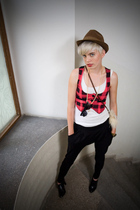 second hand hat - New Yorker vest - New Yorker pants - random brand shirt - Loca
