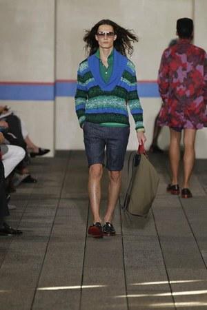 Tommy Hilfiger sweater - Tommy Hilfiger shirt - Tommy Hilfiger bag