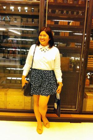 black Mango bag - white no brand shirt - black no brand shorts