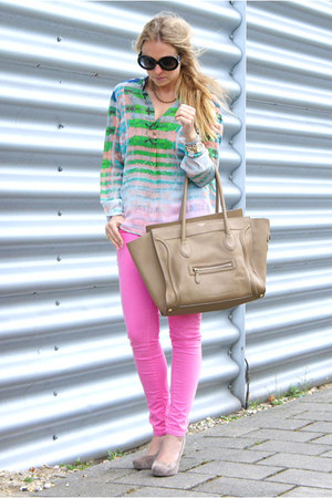chartreuse Cynthia Vincent blouse - camel Celine purse - black Prada sunglasses