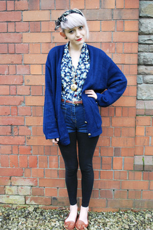 black H&M leggings - blue floral charity shop shirt - navy high waisted charity