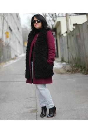 boucle DKNY coat - faux fur H&M vest
