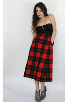 Vintage 80s High- Waist Black and Red Pleated Plaid Midi Skirt