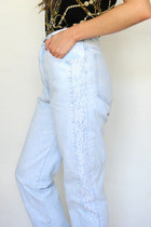 Vintage High Waisted Light Wash Lace Jeans -- Size 27