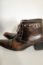 Total-recall-vintage-boots